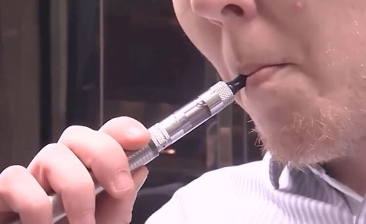 How the vape epidemic is impacting Arizona students
